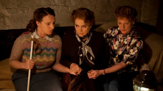ITV presents Home Fires. Pictured left to right, GILLIAN DEAN as Isobel Reilly, FRANCESCA ANNIS as Joyce Cameron and SAMANTHA BOND as Frances Burden